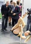 Pole dance v Karlových Varech, zahájení festivalu v roce 2011 - mobilni casino kasino Halamka