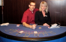 Karel Marcolli opět v akci jako falešný krupiér v Mobilní casino kasino Halamka