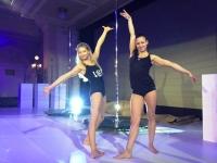 Pole dance James Bond opět v akci, Mistryni světa v Pole Dance show tleskal plný Žofín!