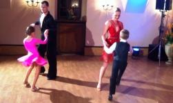 Výměna tanečníků - Halamka mobilní casino kasino